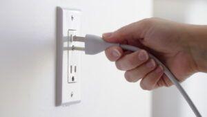 izslēgt elektrību